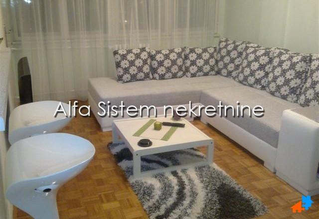 Stan Jednoiposoban Novi Beograd Merkator 300 EUR