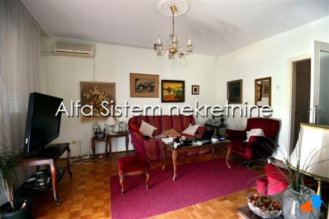 Stan Trosoban Novi Beograd Blokovi 320 EUR