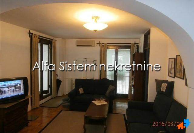 Stan Četvorosoban Novi Beograd Blokovi 330 EUR