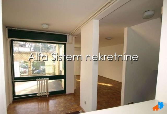 Kuća Bežanijska Kosa 600 EUR