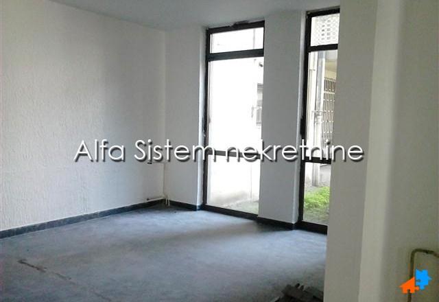 Poslovni prostor Čukarička padina 800 EUR