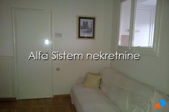 Stan Garsonjera Vukov Spomenik 250 EUR