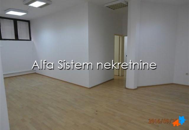 Poslovni prostor Dedinje 700 EUR