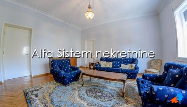 Stan Petosoban Centar Strogi Centar 700 EUR