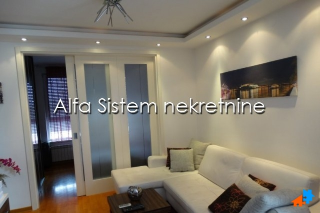Stan Jednoiposoban Novi Beograd Belvil 500 EUR