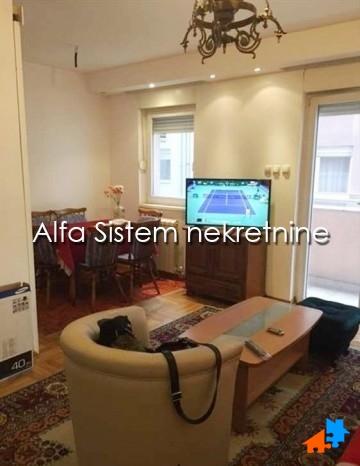 Stan Dvoiposoban Đeram pijaca 300 EUR