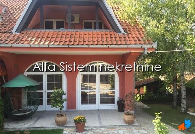 Kuća Banjica 1500 EUR