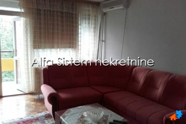 Stan Trosoban Novi Beograd Sava Centar 300 EUR