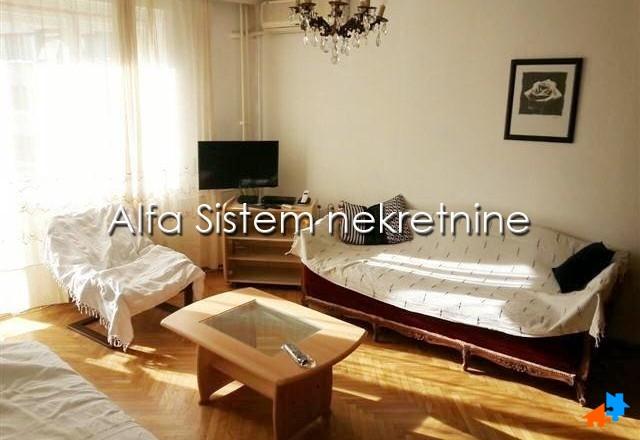 Stan Dvosoban Centar Stari grad 300 EUR