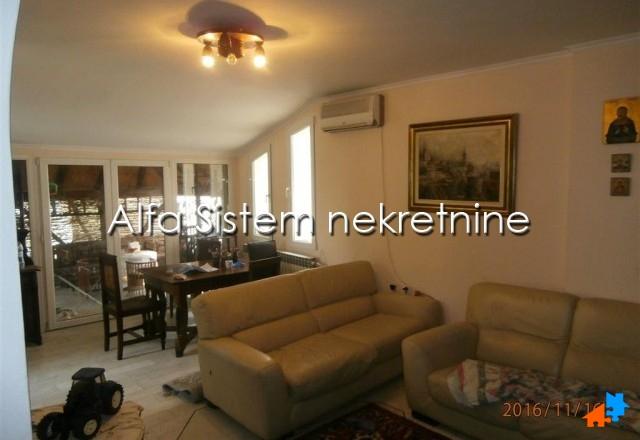 Kuća Vračar 1200 EUR