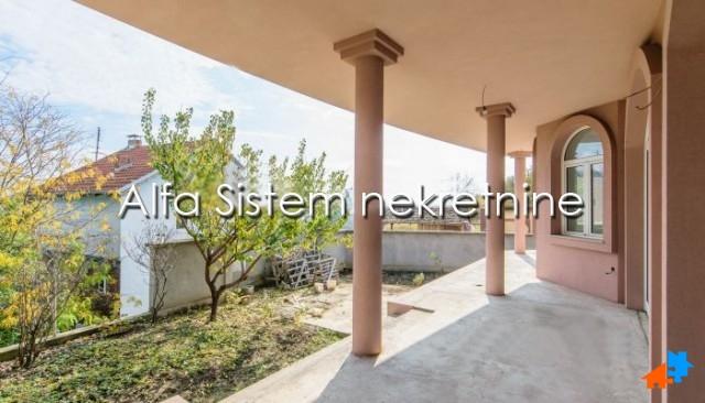 Kuća Zemun 3000 EUR