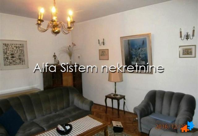 Stan Dvosoban Centar Strogi Centar 390 EUR