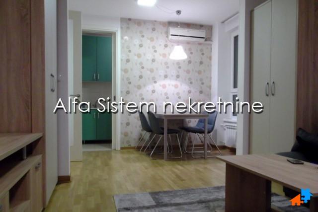 Stan Jednoiposoban Novi Beograd Belvil 400 EUR