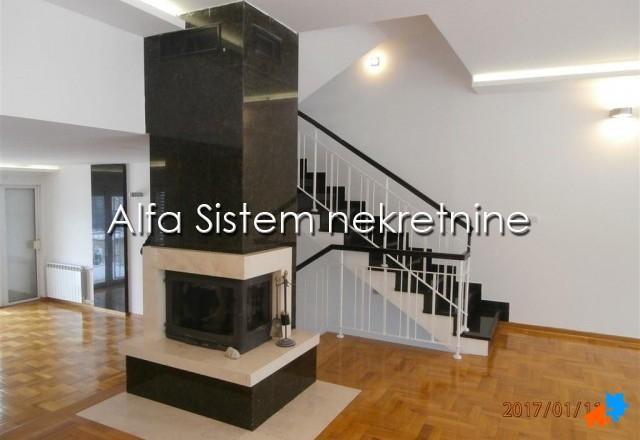 Kuća Dedinje 2800 EUR