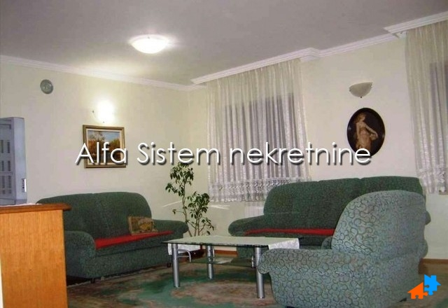 Stan Troiposoban Medaković 400 EUR