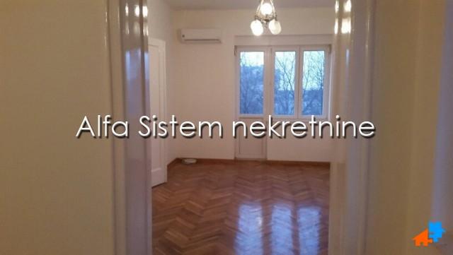 Stan Četvorosoban Centar Savski Venac 650 EUR