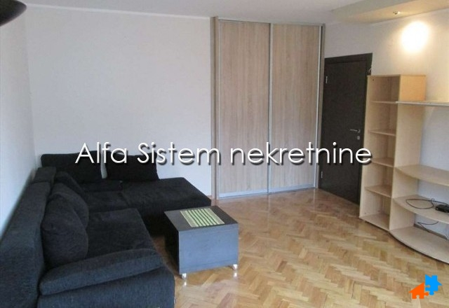Stan Dvosoban Novi Beograd Blokovi 400 EUR