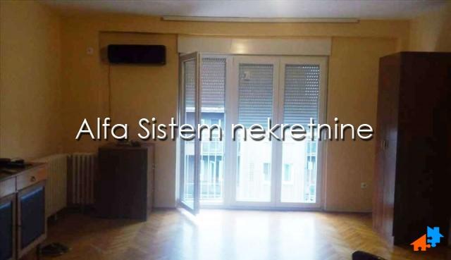 Stan Dvosoban Crveni krst 350 EUR