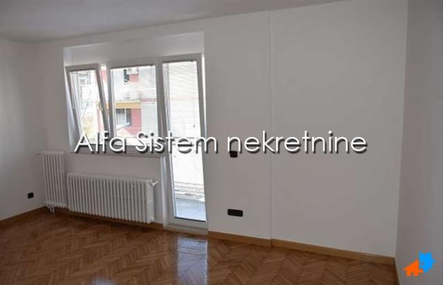 Stan Dvosoban Karaburma 350 EUR