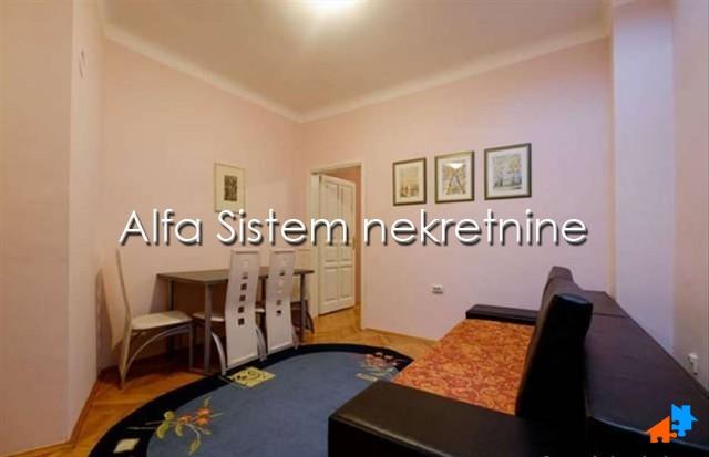 Stan Jednoiposoban Centar Strogi Centar 400 EUR