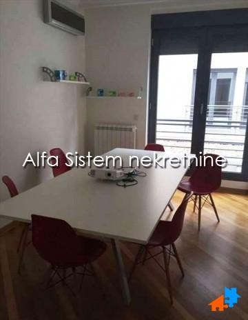 Poslovni prostor Dedinje 1300 EUR