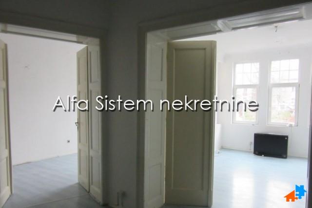 Stan Petosoban Centar Strogi Centar 800 EUR