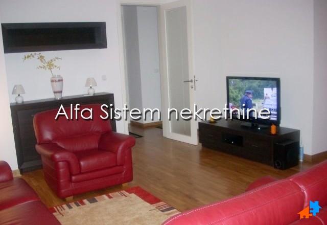 Stan Četvorosoban Novi Beograd Belvil 1000 EUR