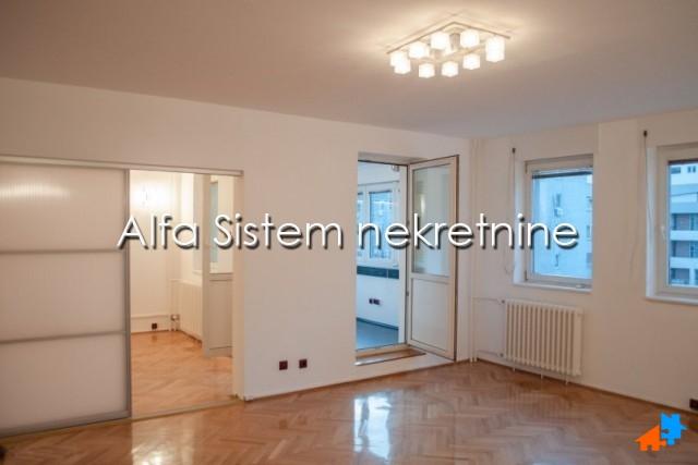 Stan Petosoban Novi Beograd YUBC 1150 EUR