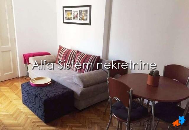 Stan Jednoiposoban Centar Savski Venac 300 EUR