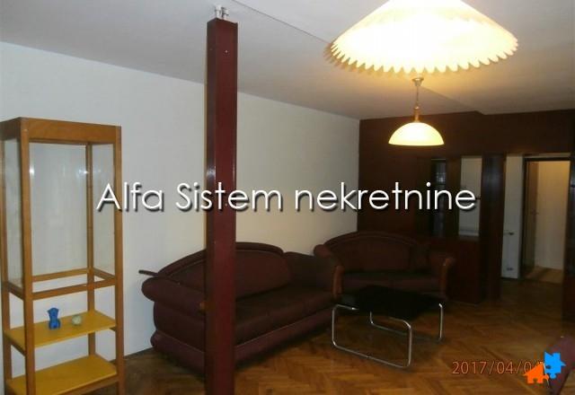 Stan Četvorosoban Novi Beograd Blokovi 350 EUR
