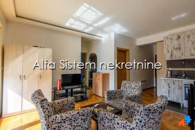 Stan Dvoiposoban Zvezdara 350 EUR