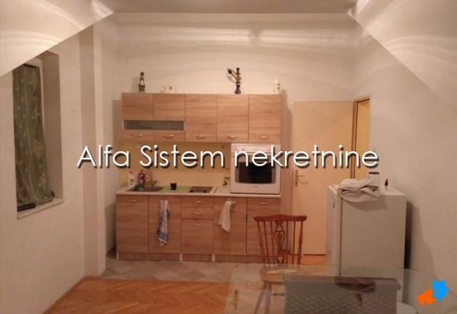 Stan Dvoiposoban Karaburma 250 EUR