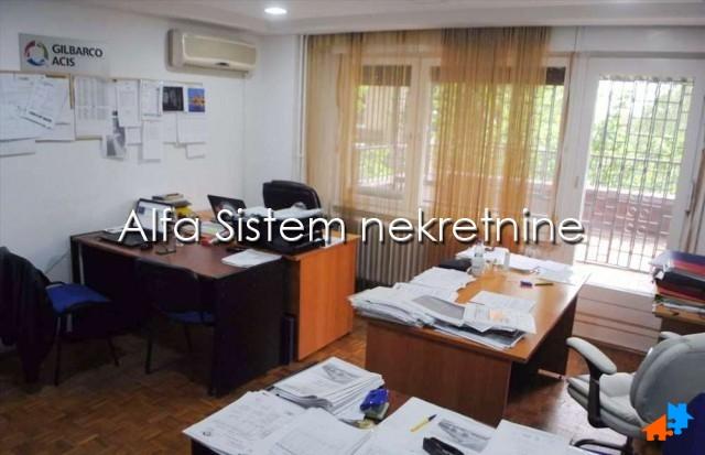 Stan Dvoiposoban Novi Beograd Sava Centar 300 EUR