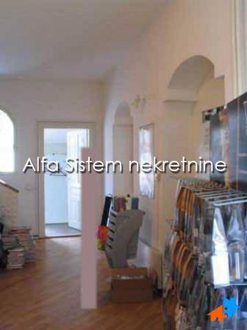 Kuća Centar Stari grad 2000 EUR
