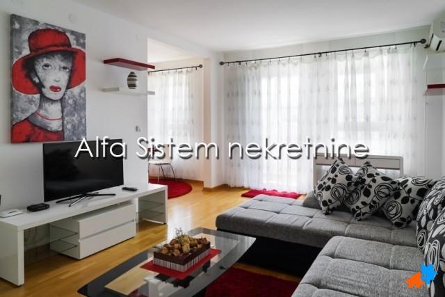 Stan , Beograd (grad) , Izdavanje | Stan Dvosoban Novi Beograd Belvil 960 Eur