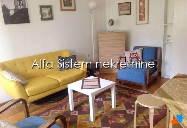 Stan Jednoiposoban Novi Beograd Sava Centar 350 EUR
