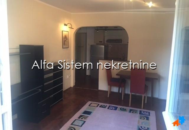 Stan Jednoiposoban Lekino Brdo 300 EUR
