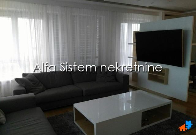 Stan Troiposoban Novi Beograd Blok A 1500 EUR