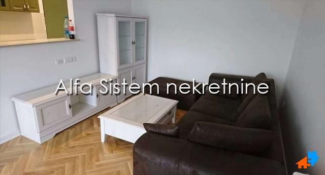Stan Trosoban Novi Beograd Sava Centar 550 EUR