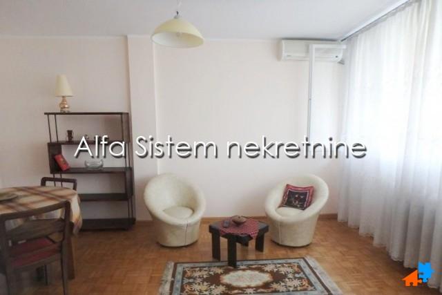 Stan Dvosoban Novi Beograd Fontana 350 EUR