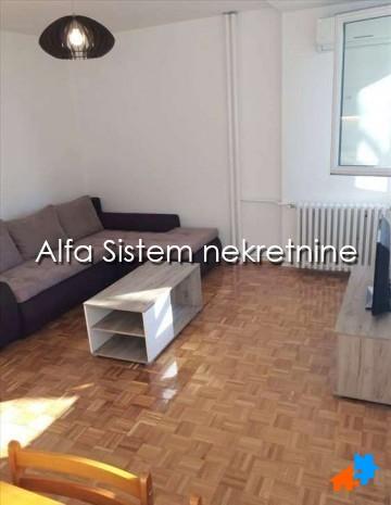Stan Dvoiposoban Novi Beograd Sava Centar 650 EUR