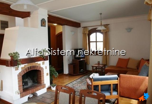 Kuća Banjica 750 EUR