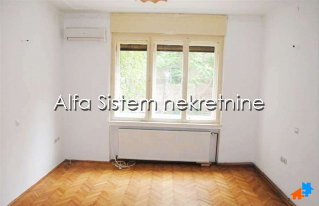 Stan Dvosoban Centar Strogi Centar 280 EUR