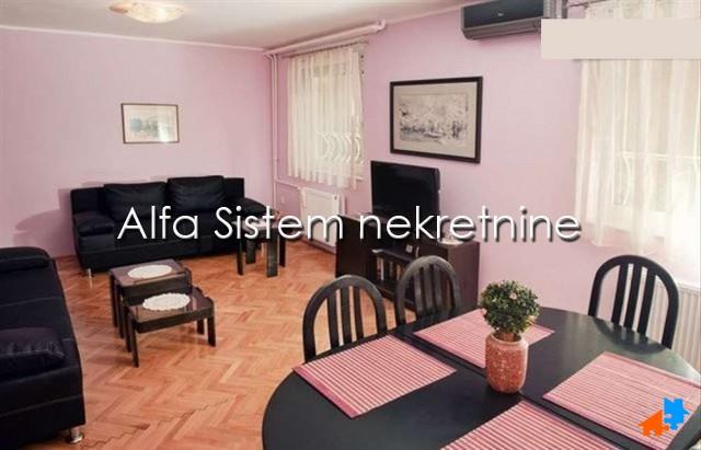Stan Jednoiposoban Čukarička padina 400 EUR