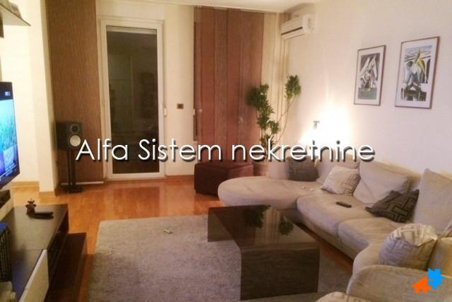 Stan Četvorosoban Novi Beograd Belvil 1300 EUR