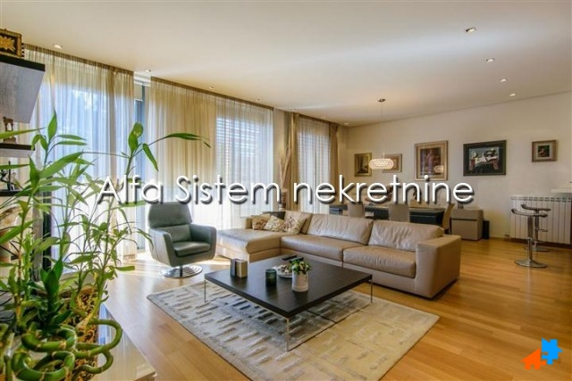 Stan Četvorosoban Dedinje 2500 EUR