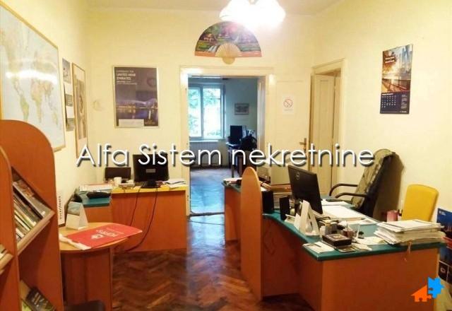 Stan Dvoiposoban Centar Stari grad 400 EUR