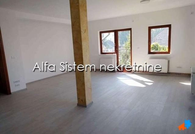 Poslovni prostor Zemun 840 EUR