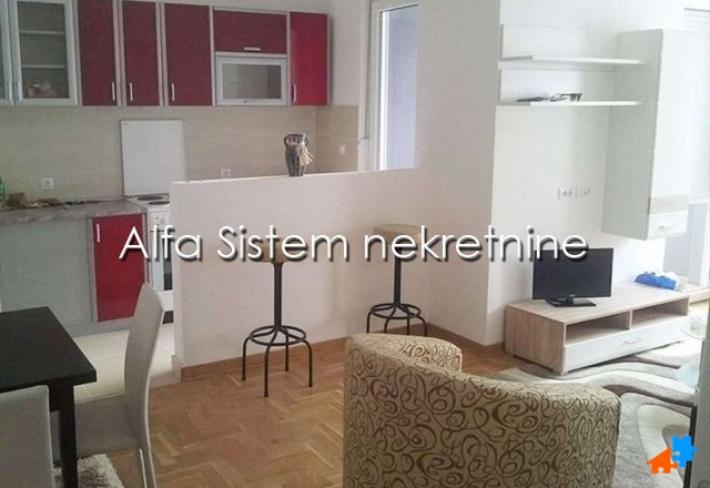 Stan Dvoiposoban Novi Beograd Blokovi 390 EUR