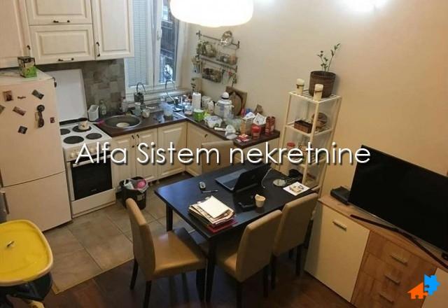 Stan , Beograd (grad) | Stan Jednoiposoban Centar Savski Venac 300 EUR